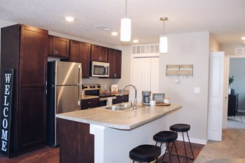 1300 E Grove Ave 1-2 Beds Apartment for Rent Photo Gallery 1