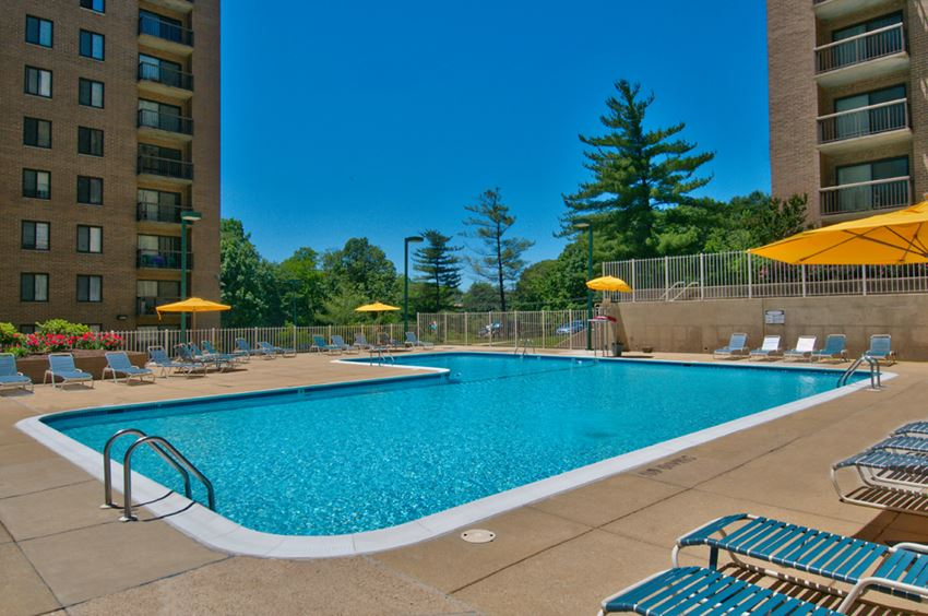 pool at Remington Place Apartments in Fort Washington, MD