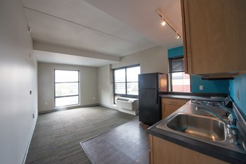 3939 Chestnut Street Studio Apartment for Rent Photo Gallery 1