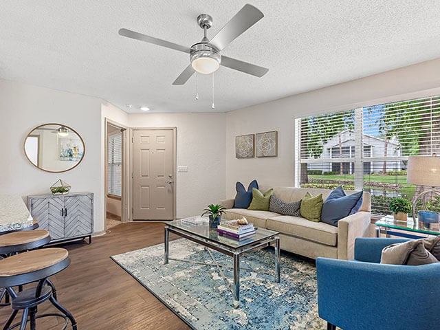 Ceiling Fan In Living Room at Retreat at Crosstown, Florida