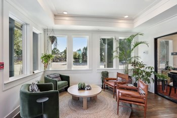 220 N Arcadia Ave. 1-2 Beds Apartment for Rent Photo Gallery 1