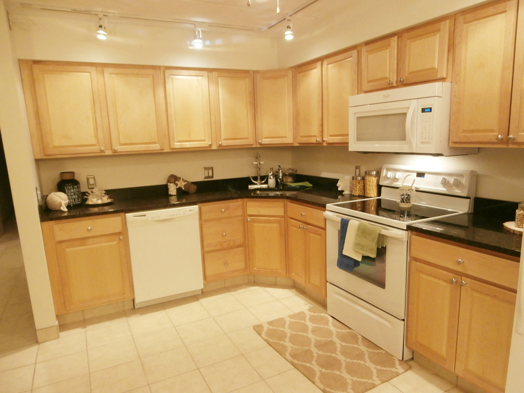 Kitchen cabinets and appliances at Summit Terrace