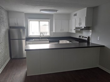 3401 Old Vineyard Road 1-2 Beds Apartment for Rent Photo Gallery 1