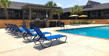9400 Abercorn Street 1 Bed Apartment for Rent Photo Gallery 1