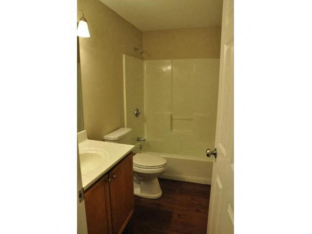 Oval Tub with Combo Shower at Coach House, Massachusetts