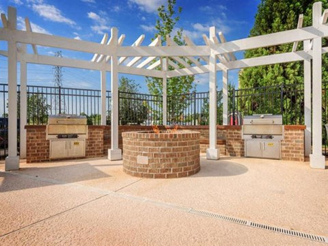 Reserve at Kenton Place fire pit and grills