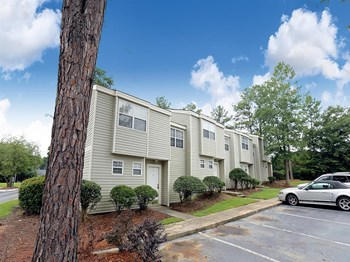82 Fox Run Lane 1-3 Beds Apartment for Rent Photo Gallery 1
