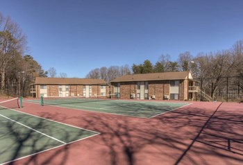 4260 Brownsboro Rd 1 Bed Apartment for Rent Photo Gallery 1