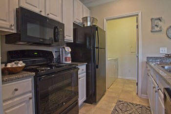 4011 Easton Way 1 Bed Apartment for Rent Photo Gallery 1