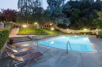 1514-15-33 Alta Glen Dr 2-3 Beds Apartment for Rent Photo Gallery 1