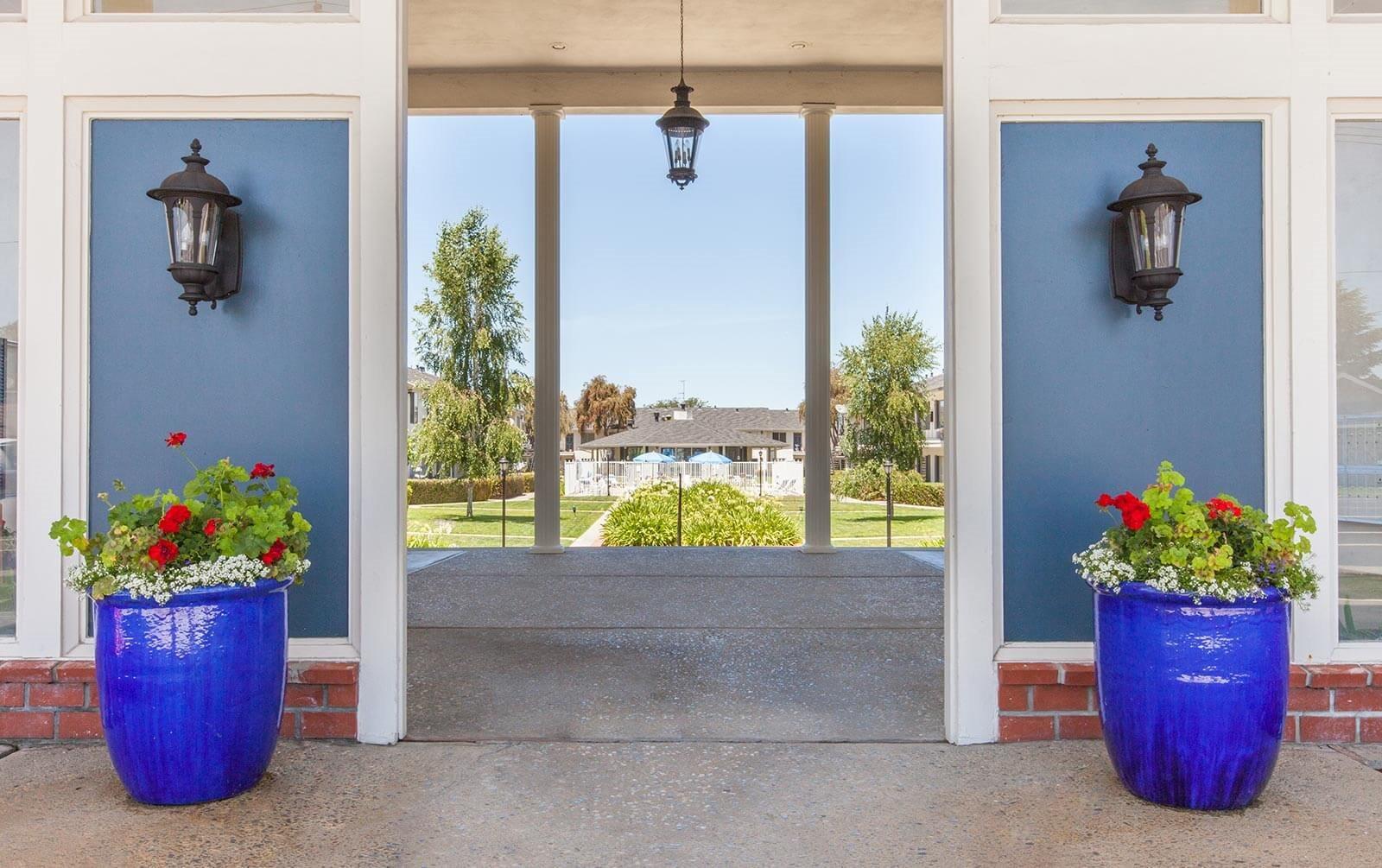 Classy Entrance at Vista Pointe, Santa Clara, California