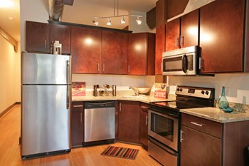 100 S. 15Th Street 1-2 Beds Apartment for Rent Photo Gallery 1