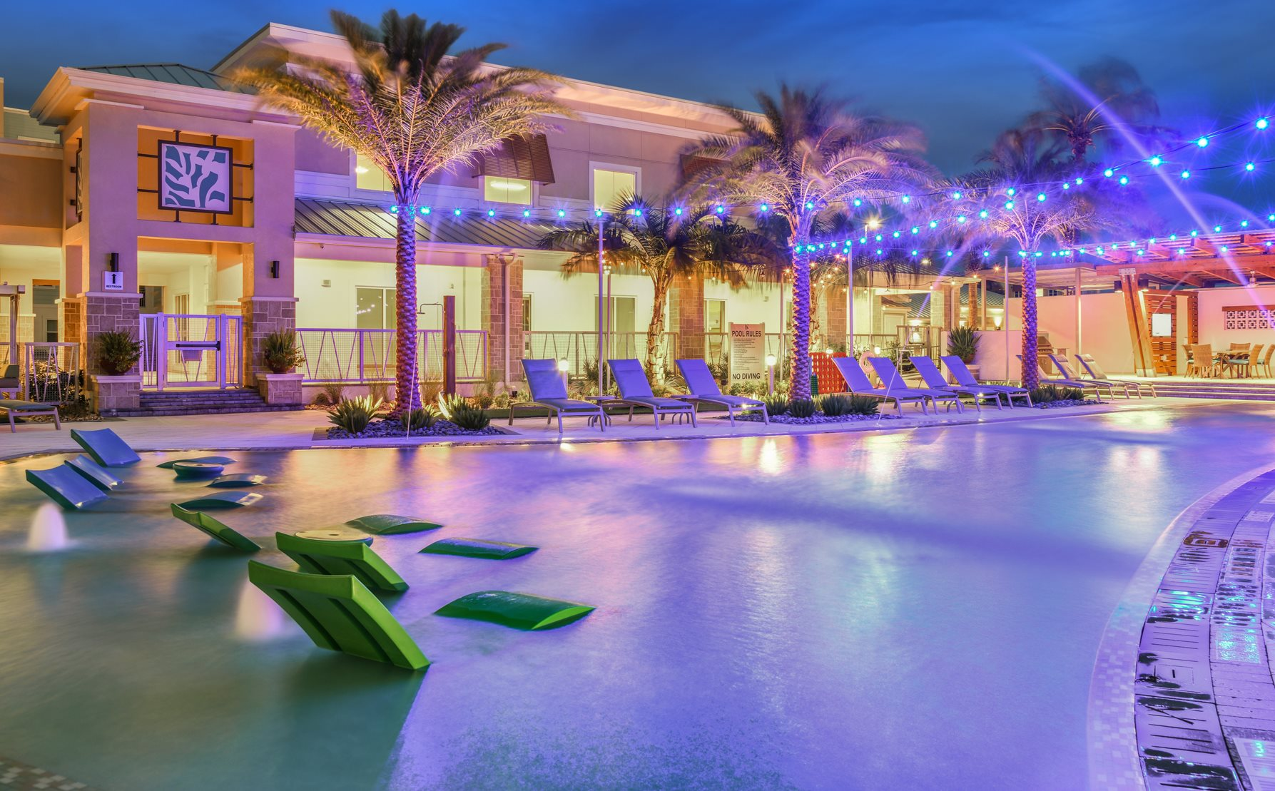 Resort Style Swimming Pool at Centre Pointe Apartments in Melbourne, FL