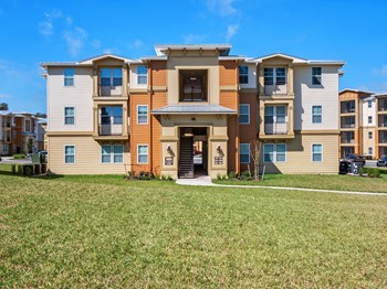 7011 Homestead Loop 1-4 Beds Apartment for Rent Photo Gallery 1
