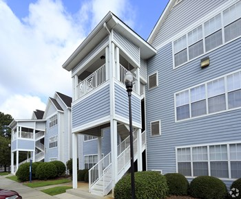 100 Saint George Blvd 1-3 Beds Apartment for Rent Photo Gallery 1