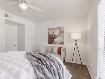 2010 S Clack St 1 Bed Apartment for Rent Photo Gallery 1