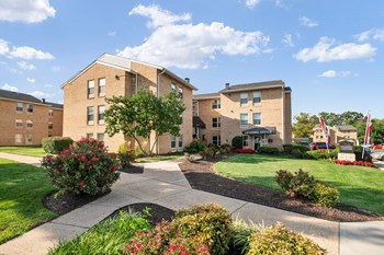 661 Dulles Park Court #104 1-3 Beds Apartment for Rent Photo Gallery 1