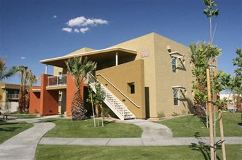 1313 East Vista Chino Road Studio-1 Bed Apartment for Rent Photo Gallery 1