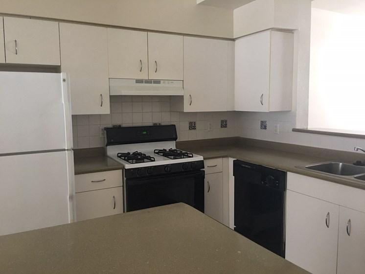 2bedroom townhouse kitchen-Villa del Sol Kansas City, Missouri