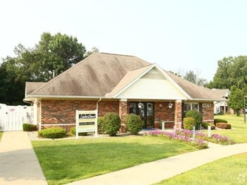 4275 Eyrie Dr 1-2 Beds Apartment for Rent Photo Gallery 1