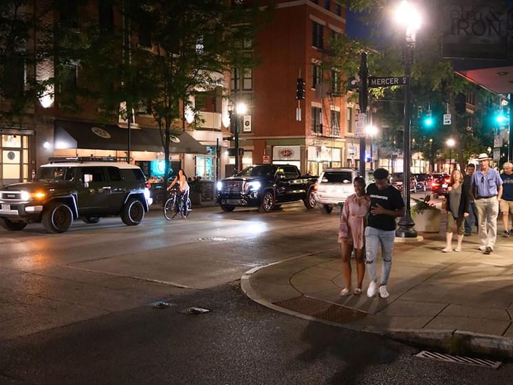 night time street view of Columbia Flats Apartments Cincinnati, OH