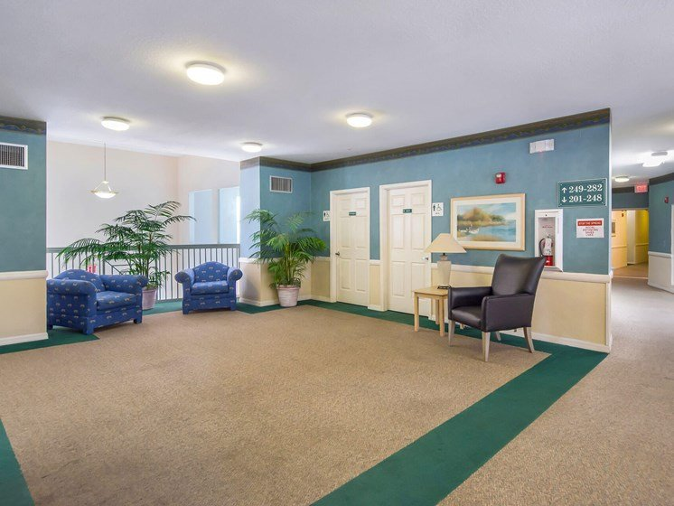 Second floor lounge_Lexington Club at Renaissance Square, Clearwater, FL