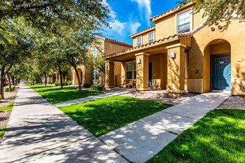 840 W. Tonto Street 1-3 Beds Apartment for Rent Photo Gallery 1