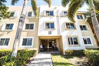 2351 NW 119Th St. 1-2 Beds Apartment for Rent Photo Gallery 1
