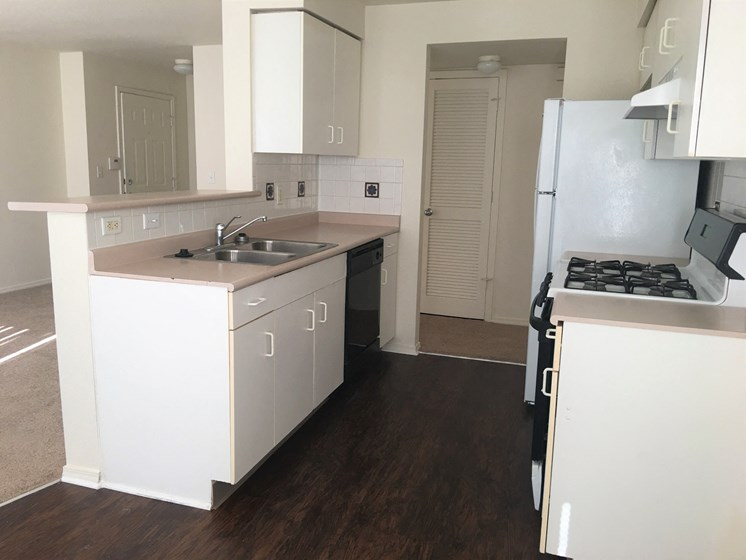 Kitchen area-Villa del Sol Kansas City, Missouri