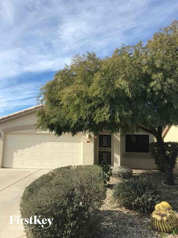 13914 N 132nd Ln 3 Beds House for Rent Photo Gallery 1