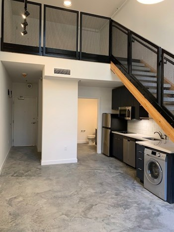 725 Kingsland Ave. Studio Apartment for Rent Photo Gallery 1