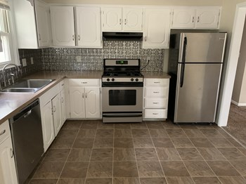 1310 Militia Ct 3 Beds House for Rent Photo Gallery 1