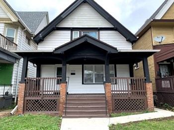4518 W Lloyd St 4 Beds House for Rent Photo Gallery 1