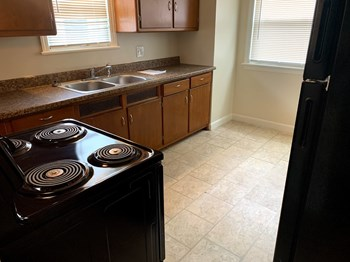 7411 W Burleigh St 4 Beds House for Rent Photo Gallery 1