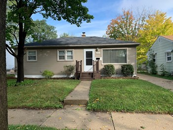 8216 W Custer Ave 3 Beds House for Rent Photo Gallery 1