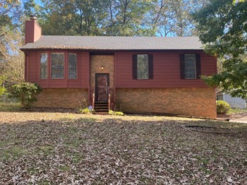 921 Thomas Dr 3 Beds House for Rent Photo Gallery 1