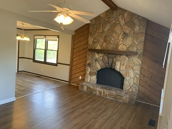 212 Camp Creek Dr 3 Beds House for Rent Photo Gallery 1