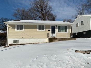 507 Robert Ave 2 Beds House for Rent Photo Gallery 1