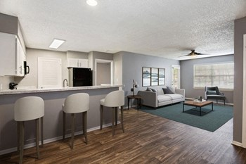 1400 Plantation Boulevard 1 Bed Apartment for Rent Photo Gallery 1