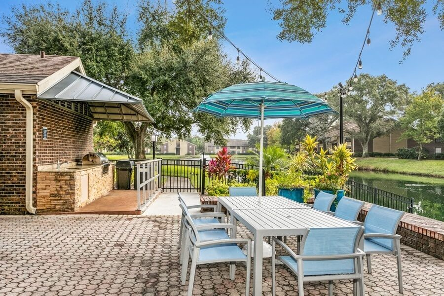 Clubhouse outdoor picnic area and patio