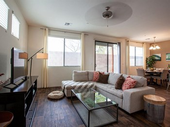 5132 Prairie Clover Trail 3-4 Beds Apartment for Rent Photo Gallery 1