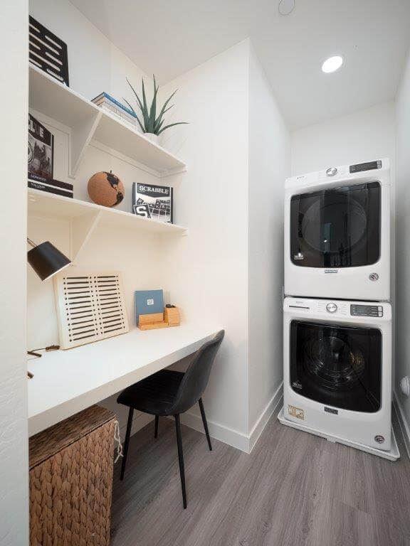 Model laundry room at Cabana On 99th