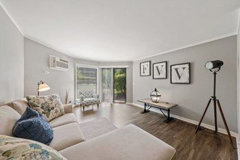 710 S Eola Road 1-2 Beds Apartment for Rent Photo Gallery 1