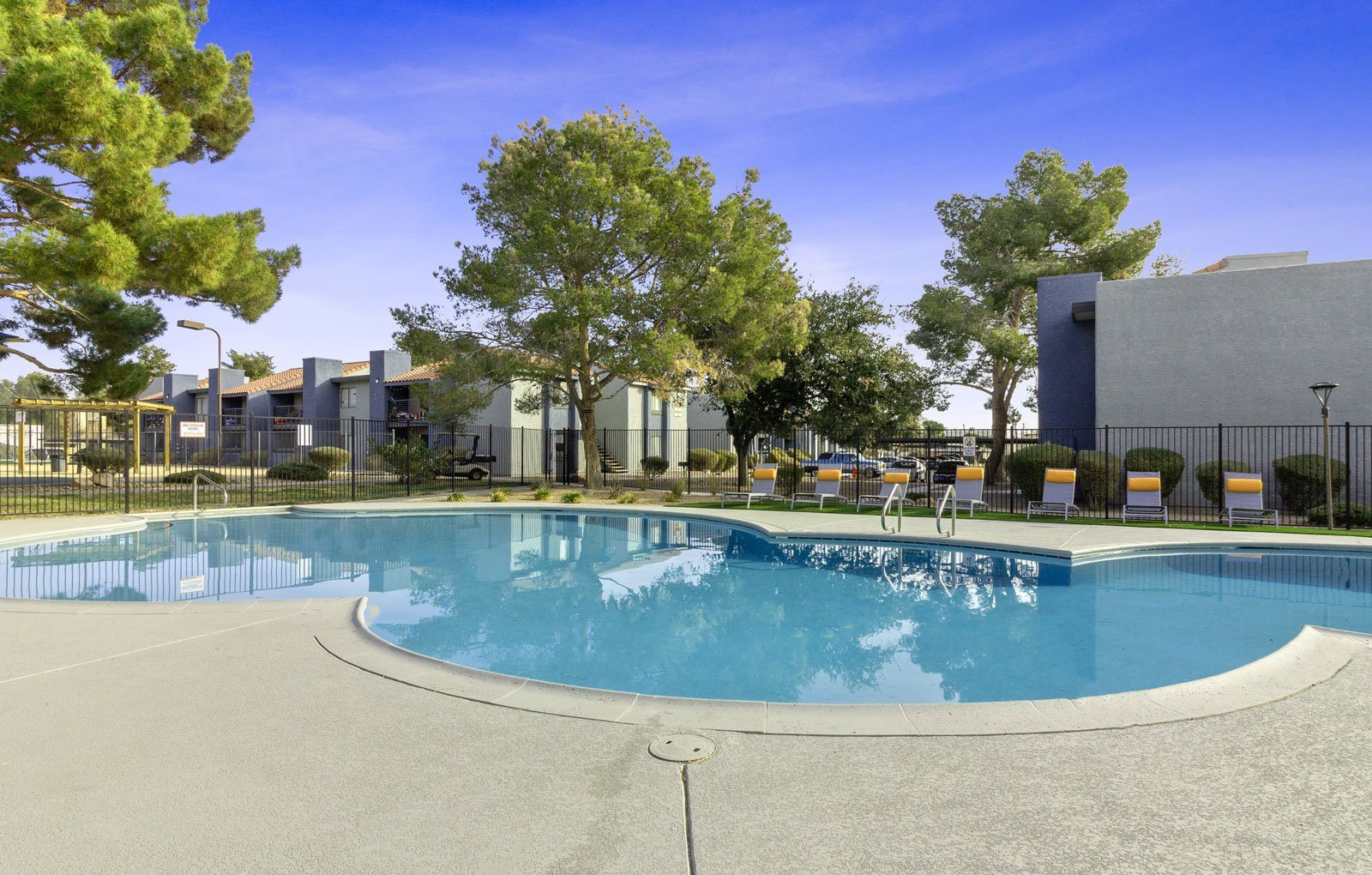 Swimming pool at Sutton Place Apartments