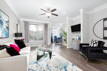 980 Walther Blvd 1-3 Beds Apartment for Rent Photo Gallery 1