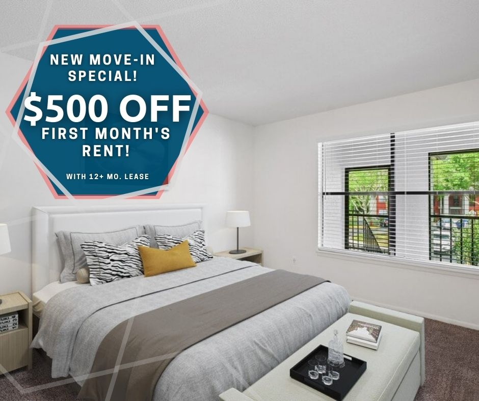 banner advertising $500 off first month's rent on all apartments, for new move-ins with a 12 plus month lease.