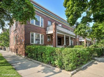 1403-05 W. Belle Plaine Ave. 2 Beds Apartment for Rent Photo Gallery 1