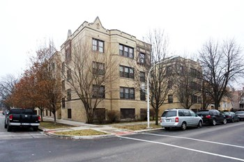 4049-57 N. Francisco Ave. 2 Beds Apartment for Rent Photo Gallery 1