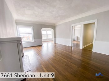 7661 N. Sheridan Rd. Studio Apartment for Rent Photo Gallery 1