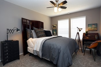 7501 Seville Dr. 1-2 Beds Apartment for Rent Photo Gallery 1